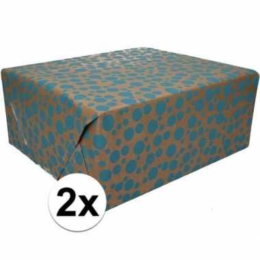 Feestwinkel | 2x bruin cadeaupapier blauwe stippen print 70 x 200 cm
