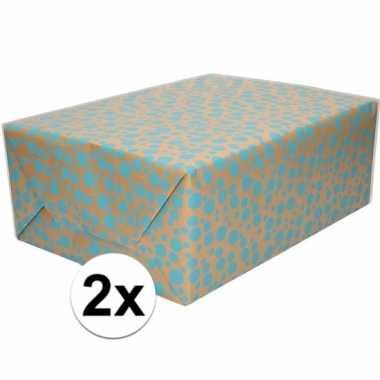 Feestwinkel | 2x bruin cadeaupapier met blauwe stippen print 70 x 200