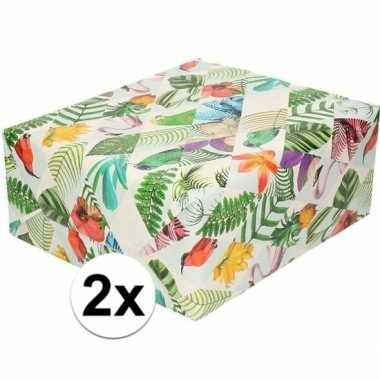 Feestwinkel   2x gekleurd cadeaupapier met tropische vogels 70 x 200