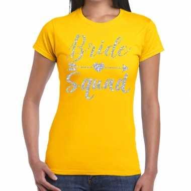 Feestwinkel | bride squad zilveren letters fun t-shirt geel voor dame