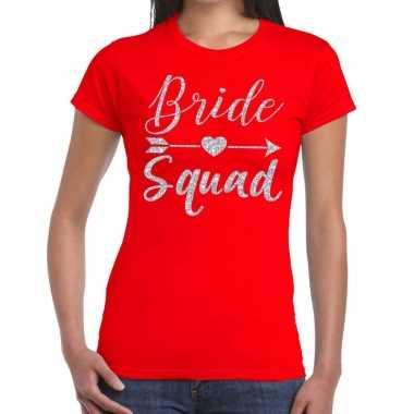 Feestwinkel | bride squad zilveren letters fun t-shirt rood voor dame