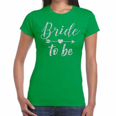 Feestwinkel | bride to be zilveren letters fun t-shirt groen voor dam