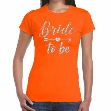 Feestwinkel | bride to be zilveren letters fun t-shirt oranje voor da