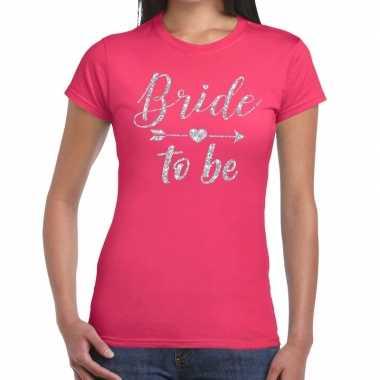 Feestwinkel | bride to be zilveren letters fun t-shirt roze voor dame