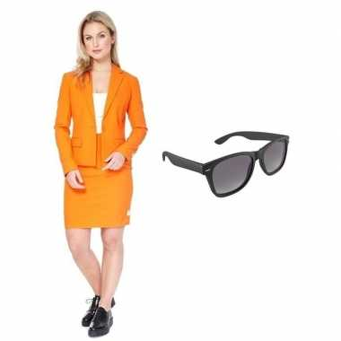 Carnavals pak oranje dames met gratis zonnebril