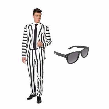 Carnavalskostuum zwart witte strepen print heren pak 48 m met gratis zonnebril