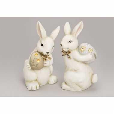 Feestwinkel |  Decoratief paashaas beeldje met wit ei morgen Amsterda