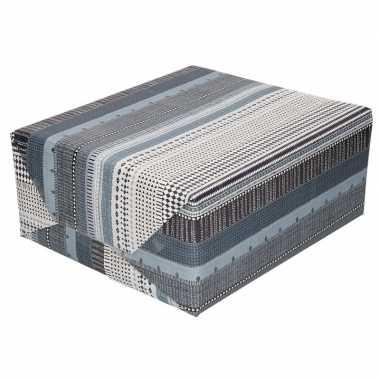 Feestwinkel | gekleurd cadeaupapier met grijs zwart en witte print 70