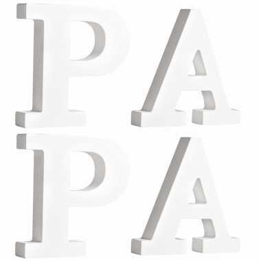 Houten deco hobby letters 4x losse witte letters om het woord papa te maken