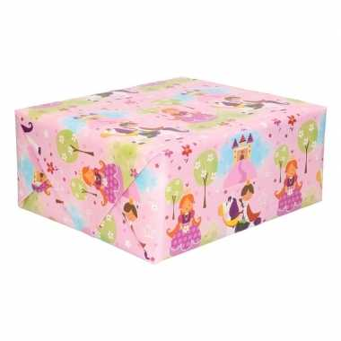 Feestwinkel   rol kinder inpakpapier met prinsessen print 200 x 70 cm