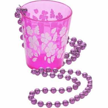 Shotglas roze aan een ketting