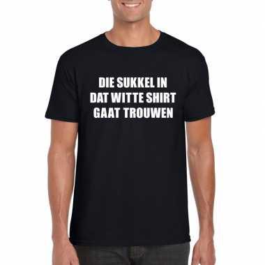 Vrijgezellen t-shirt vrienden die sukkel gaat trouwen zwart heren