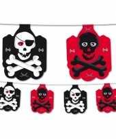Piraten versiering vlaggenlijn zwart rood