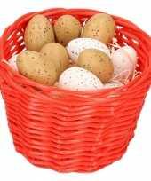 Rood paasmandje met plastic kwartel eieren 14cm