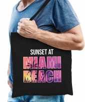 Sunset at miami beach tasje zwart voor heren